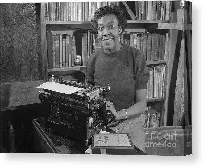 People Canvas Print featuring the photograph Gwendolyn Brooks With Typewriter by Bettmann