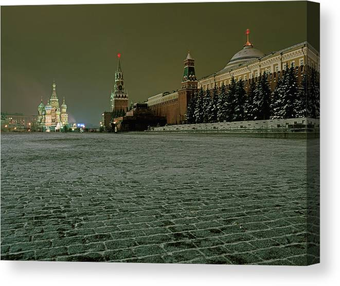 Outdoors Canvas Print featuring the photograph Russia, Moscow, Red Square And Kremlin by Hans Neleman