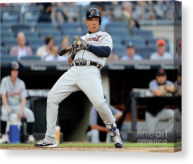 People Canvas Print featuring the photograph Miguel Cabrera by Elsa