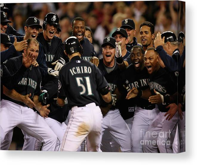 People Canvas Print featuring the photograph Ichiro Suzuki by Otto Greule Jr
