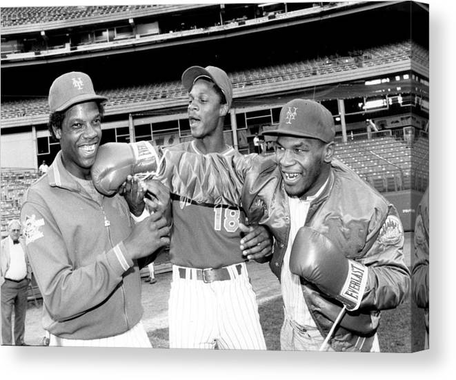 Event Canvas Print featuring the photograph Dwight Gooden, Darryl Strawberry, and Mike Tyson by New York Daily News Archive
