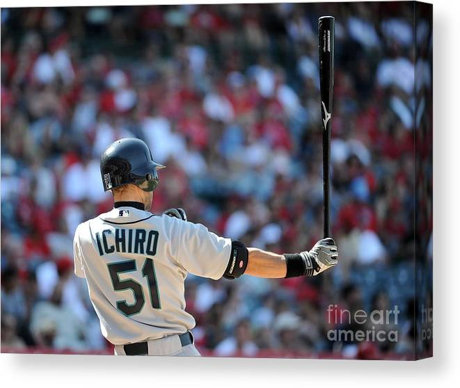 American League Baseball Canvas Print featuring the photograph Ichiro Suzuki by Harry How