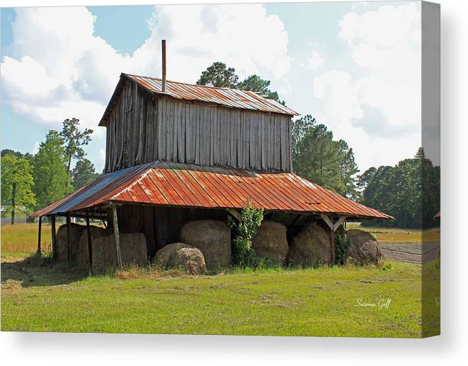 Tobacco Barn Canvas Print featuring the photograph Clewis Family Tobacco Barn by Suzanne Gaff
