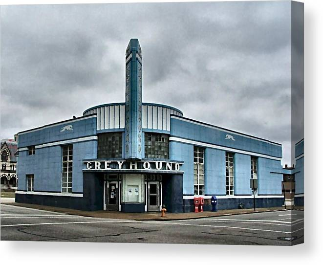 Canvas Side View of Greyhound Bus Art print POSTER
