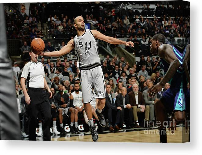 Nba Pro Basketball Canvas Print featuring the photograph Charlotte Hornets V San Antonio Spurs by Mark Sobhani