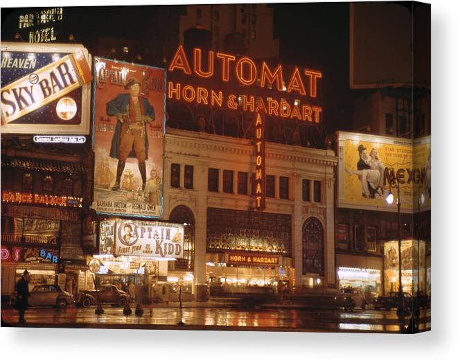 Timeincown Canvas Print featuring the photograph New York by Andreas Feininger
