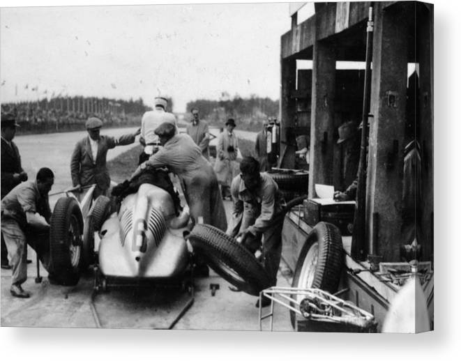 People Canvas Print featuring the photograph Auto Union In The Pits During A Grand by Heritage Images