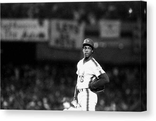 Dwight Gooden Canvas Print featuring the photograph Dwight Goodens First World Series Game by New York Daily News Archive