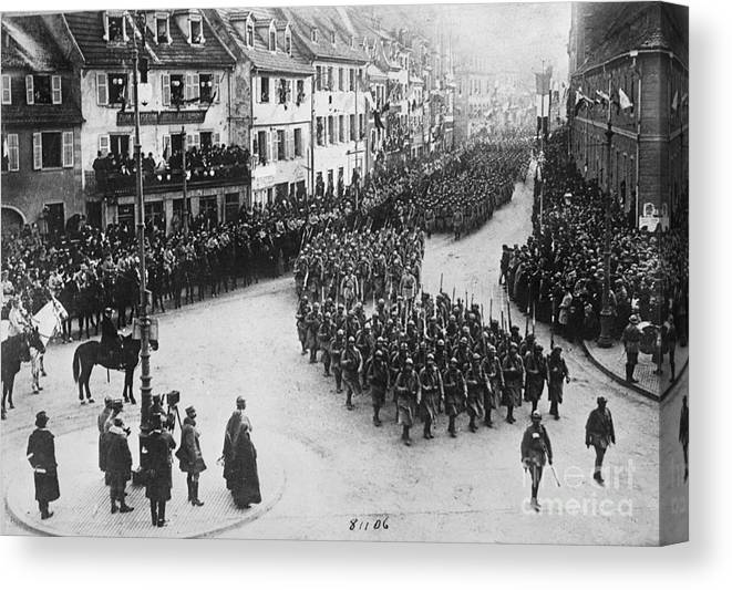 Colmar Canvas Print featuring the photograph French Troops Entering Colmar by Bettmann