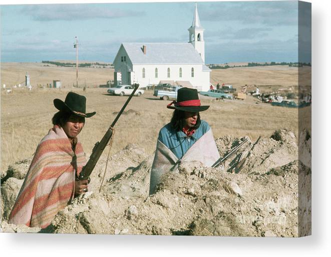 Rifle Canvas Print featuring the photograph Indian On Guard At Wounded Knee by Bettmann