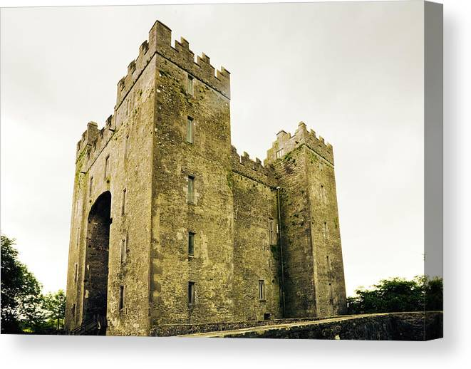 Bunratty Castle Canvas Print featuring the photograph Ireland Bunratty Castle In County by Alantobey