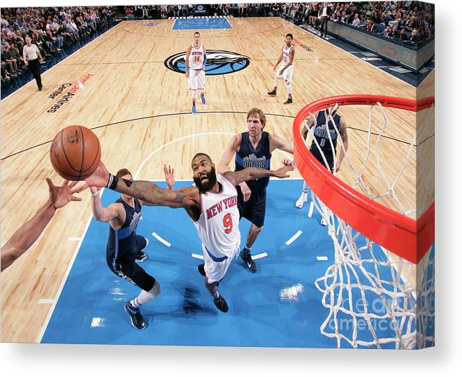 Nba Pro Basketball Canvas Print featuring the photograph New York Knicks V Dallas Mavericks by Glenn James