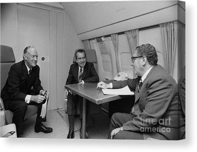 Advice Canvas Print featuring the photograph Pres. Nixon Aboard Air Force One by Bettmann