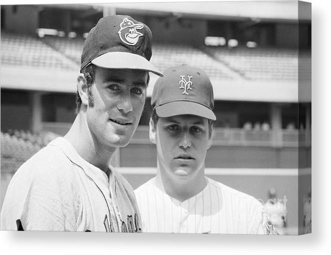 Tom Seaver Canvas Print featuring the photograph Tom Seaver And Jim Palmer At Baseball by Bettmann
