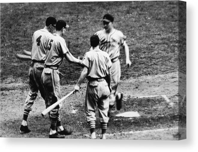 St. Louis Cardinals Canvas Print featuring the photograph Whitey Kurowski Comes Home by Hulton Archive