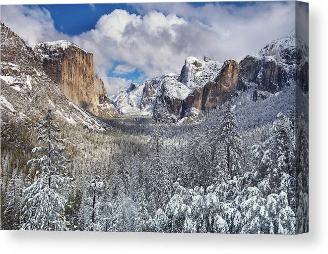Scenics Canvas Print featuring the photograph Yosemite Valley In Snow by Www.brianruebphotography.com