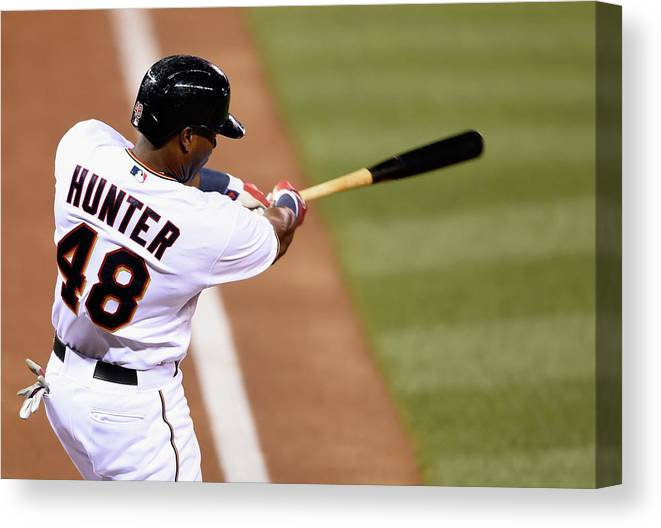 Three Quarter Length Canvas Print featuring the photograph Torii Hunter by Hannah Foslien