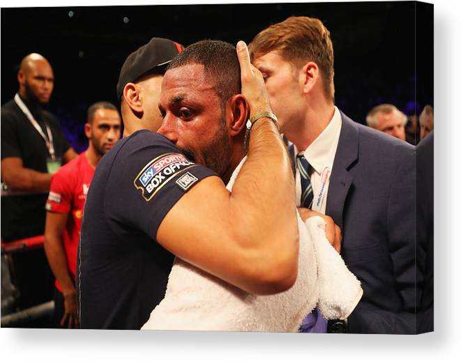 Contest Canvas Print featuring the photograph Boxing at O2 Arena by Richard Heathcote