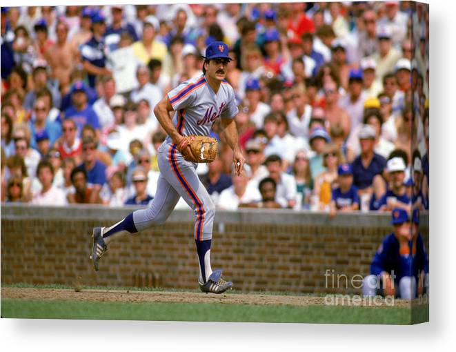 1980-1989 Canvas Print featuring the photograph Keith Hernandez by Ron Vesely