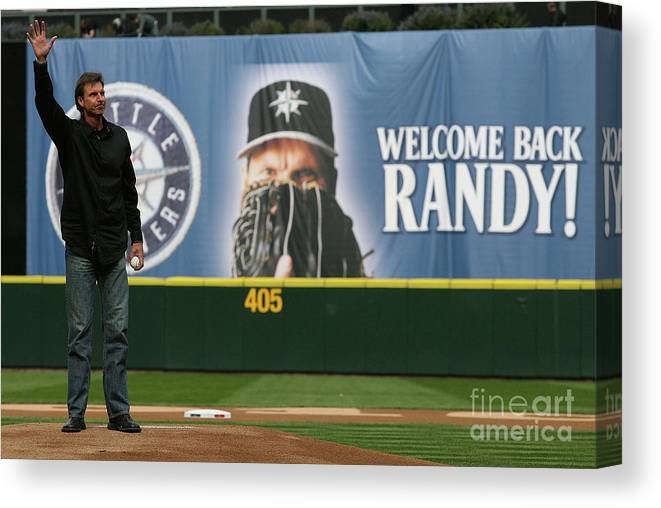 Crowd Canvas Print featuring the photograph Randy Johnson by Otto Greule Jr