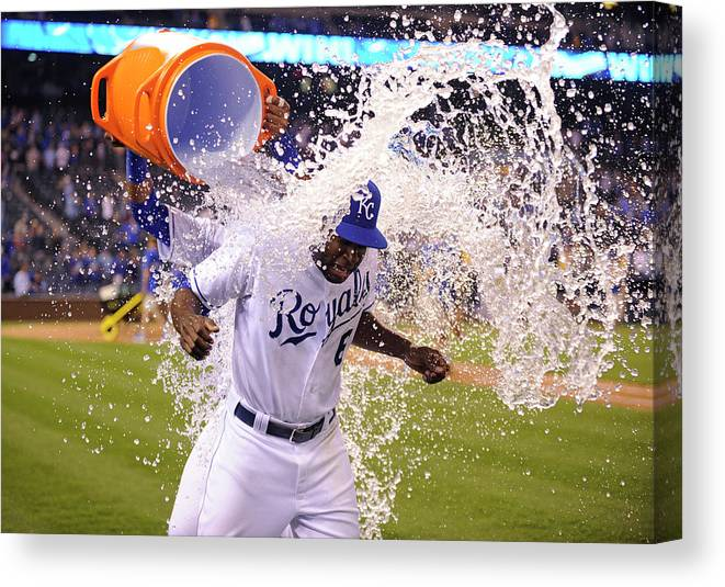 Salvador Perez Diaz Canvas Print featuring the photograph Salvador Perez by Ed Zurga