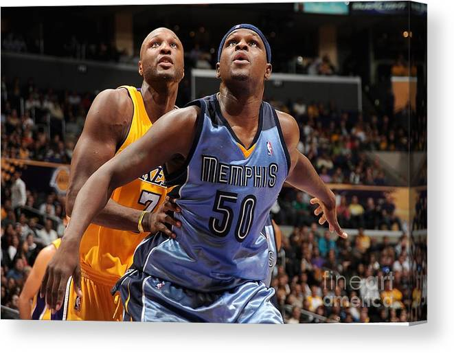 Nba Pro Basketball Canvas Print featuring the photograph Lamar Odom and Zach Randolph by Andrew D. Bernstein