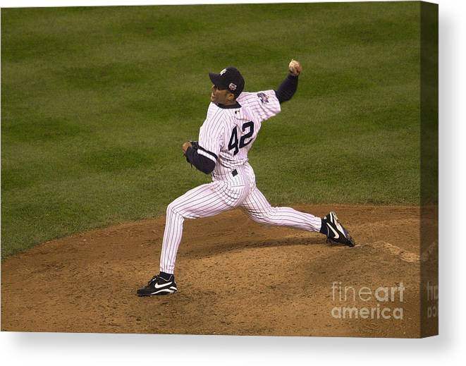 People Canvas Print featuring the photograph Mariano Rivera by Ezra Shaw
