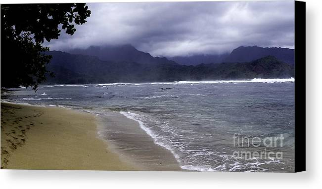 Hanalei Canvas Print featuring the photograph Hanalei Bay 2 by Kelley Belisle