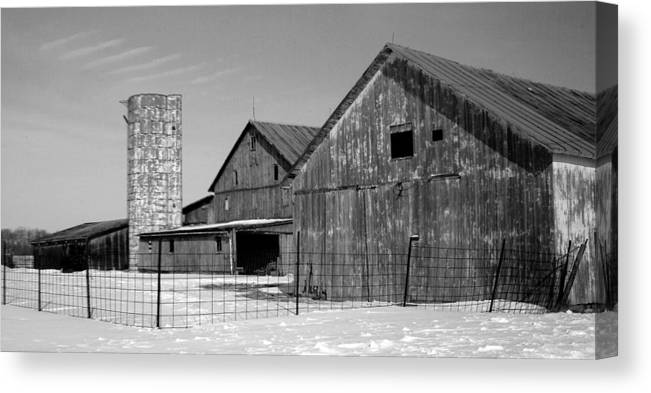 Barn Canvas Print featuring the photograph 020309-74 by Mike Davis