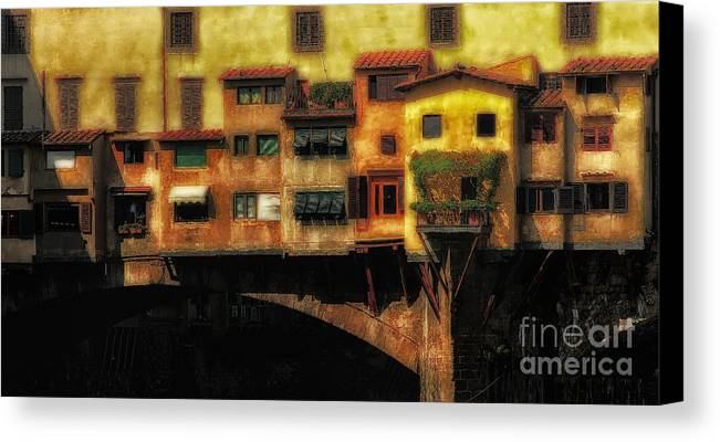 Ponte Vecchio Canvas Print featuring the photograph Ponte Vecchio Firenze by Mike Nellums