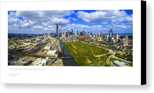 Chicago Canvas Print featuring the photograph Chicago,il by Vito Palmisano