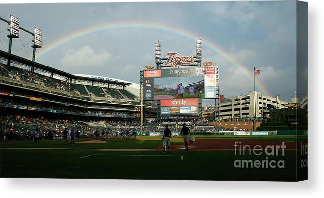 American League Baseball Canvas Print featuring the photograph Chicago Cubs V Detroit Tigers by Duane Burleson