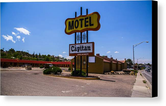 Route 66 Canvas Print featuring the photograph Motel Capitan by Angus Hooper Iii