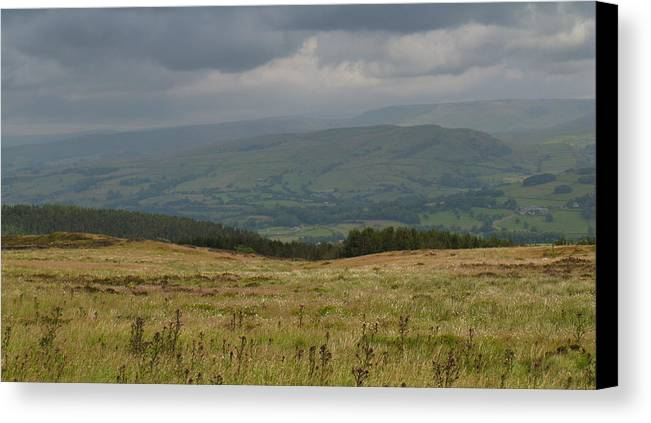 Dark Sky Canvas Print featuring the photograph Derbyshire Dales by Stephen Haunts