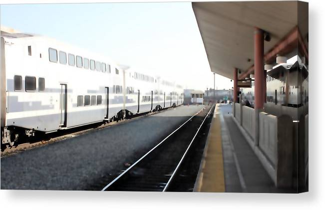 Train Canvas Print featuring the photograph Union Station 0618 by Edward Ruth