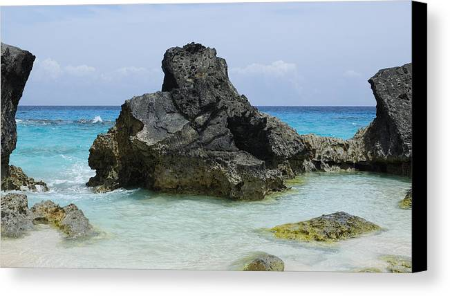 Bermuda Canvas Print featuring the photograph Cozy Cove by Luke Moore