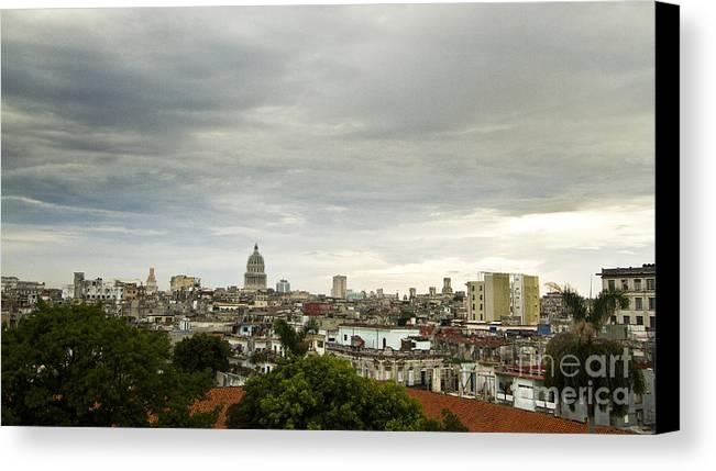 Cuba Canvas Print featuring the photograph La Habana Cuba by Lucas Guardincerri