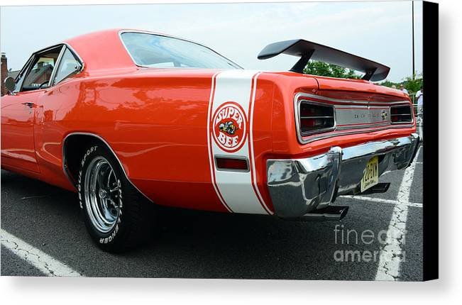 1970 Dodge Super Bee Canvas Print featuring the photograph 1970 Dodge Super Bee 2 by Paul Ward