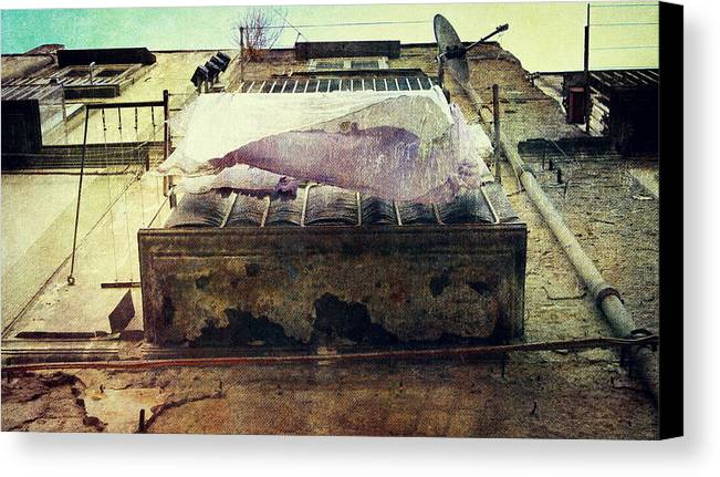 Bedclothes Canvas Print featuring the photograph Bedclothes by Vittorio Chiampan