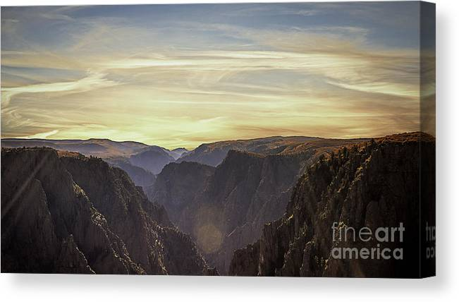 Sunrise Canvas Print featuring the photograph Colorado Canyon Morning by Janice Pariza