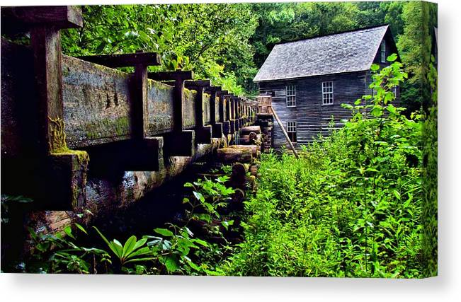 Great Smoky Mountain National Park Canvas Print featuring the photograph Mingus Mill by Carol Montoya