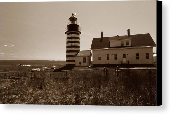 West Quoddy Light Canvas Print featuring the photograph West Quoddy Lighthouse by Skip Willits
