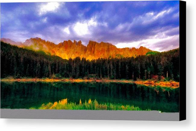 Q Canvas Print featuring the digital art W Landscape Mn by Usa Map