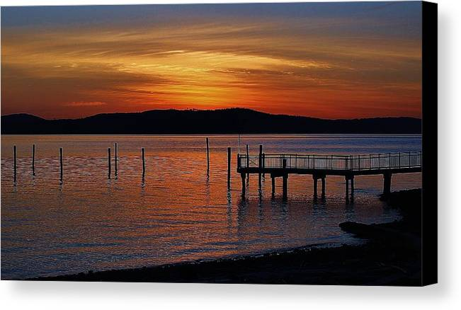 Hudson Valley Landscapes Canvas Print featuring the photograph Peaceful Sunrise by Thomas McGuire