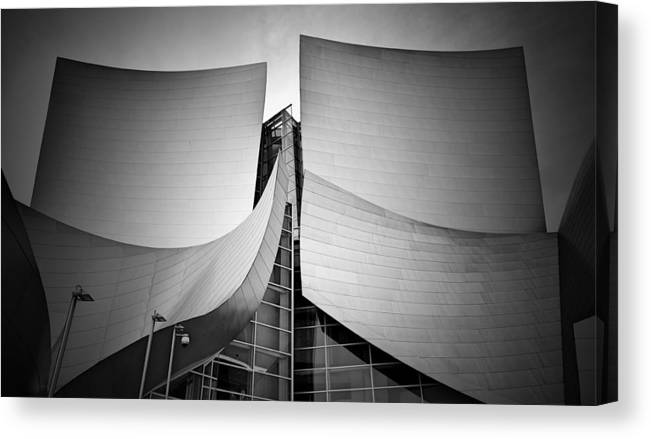 Architecture Canvas Print featuring the photograph Walt Disney Concert Hall. by Ismael Roman