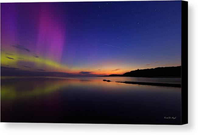 Aurora Canvas Print featuring the photograph A Majestic Sky by Everet Regal