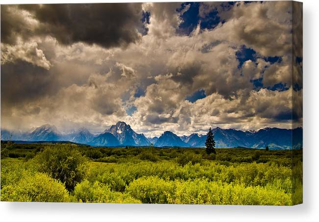 Sky Canvas Print featuring the photograph Wyoming Sky by Patrick Flynn