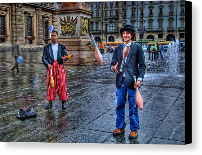 Jugglers Canvas Print featuring the photograph City Jugglers by Ron Shoshani