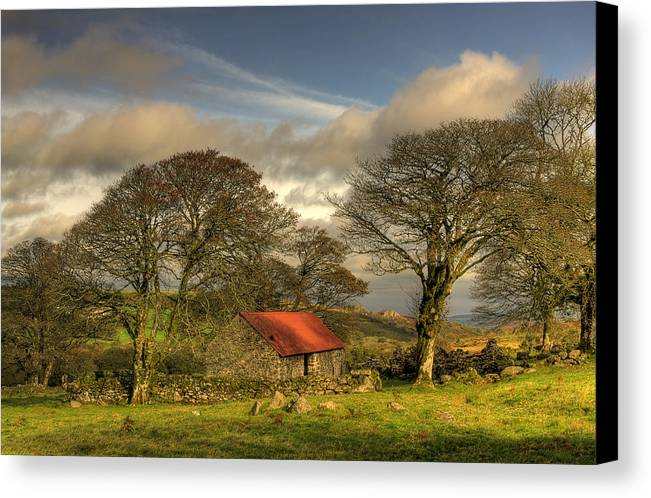 Emsworthy Canvas Print featuring the photograph Emsworthy Barn by Phil Hemsley