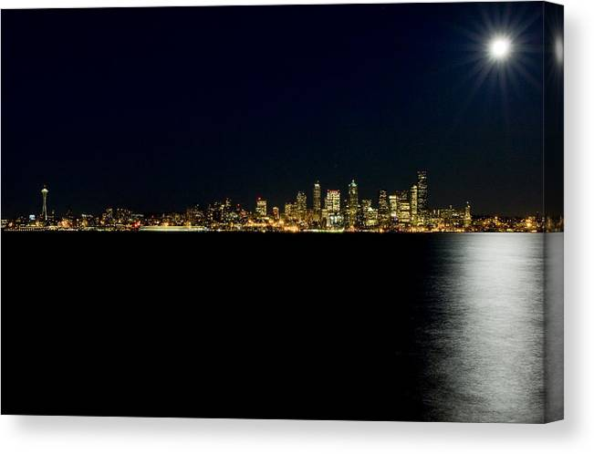 Seattle Canvas Print featuring the photograph Full Moon Refrection D061 by Yoshiki Nakamura